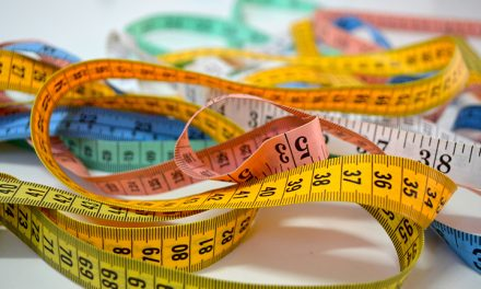 A larger waist size increases your chance of pre-diabetes and type 2 diabetes