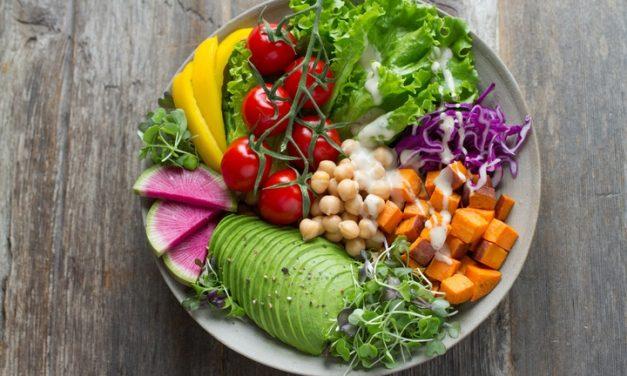 Cómo comer alimentos saludables en casa durante COVID-19