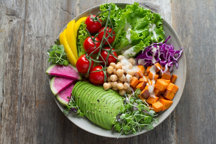 How to eat healthy foods at home during COVID-19