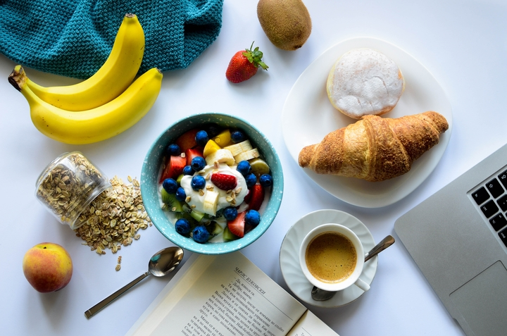Avoid overeating at mealtimes and have a good breakfast