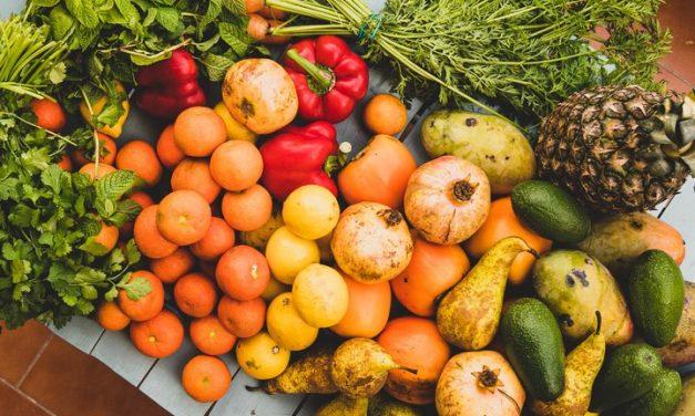 Las frutas y verduras pueden reducir el riesgo de problemas cardíacos.