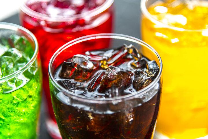 Riesgos del azúcar y las bebidas endulzadas artificialmente a medida que envejecemos